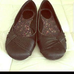 Shoes - Black flats